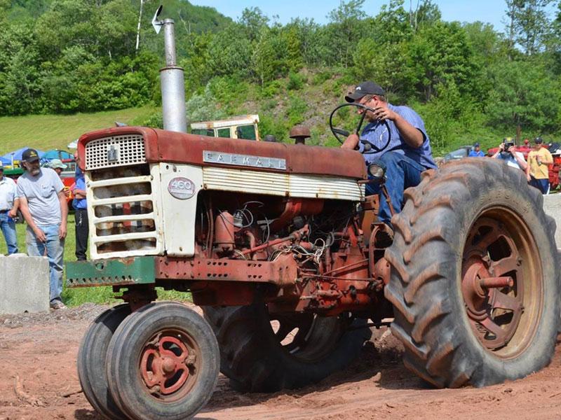 Farm-Machinery-Show-and-Tractor-Pull-new-img | AlbergoAllegria Bed & Breakfast | Catskills, NY
