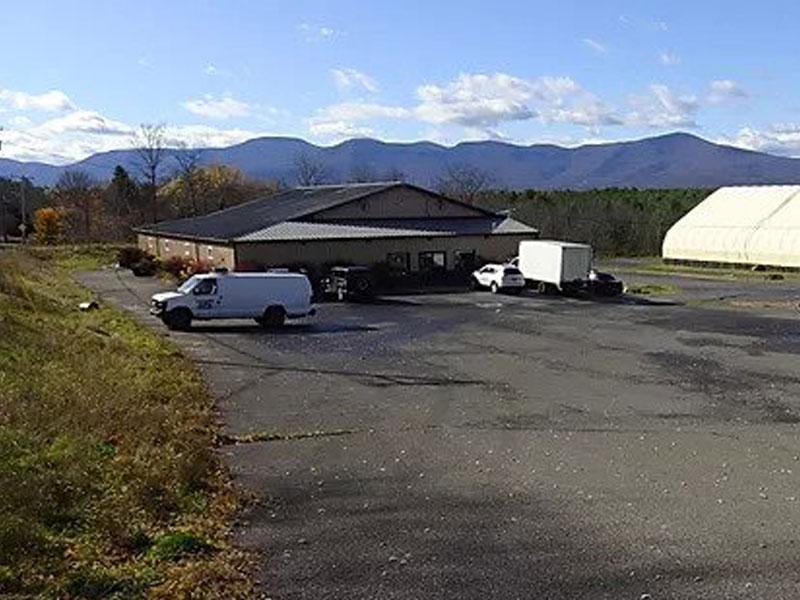 Mooneys-Auctio | AlbergoAllegria Bed & Breakfast | Catskills, NY