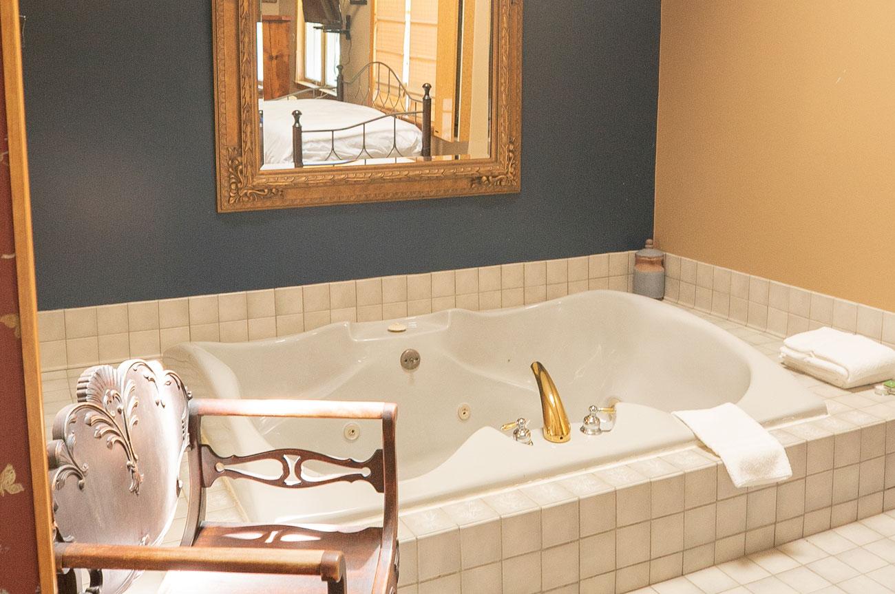 Bathtub Room 14 | AlbergoAllegriaHotelandbreakfastrestaurant | Windham NY