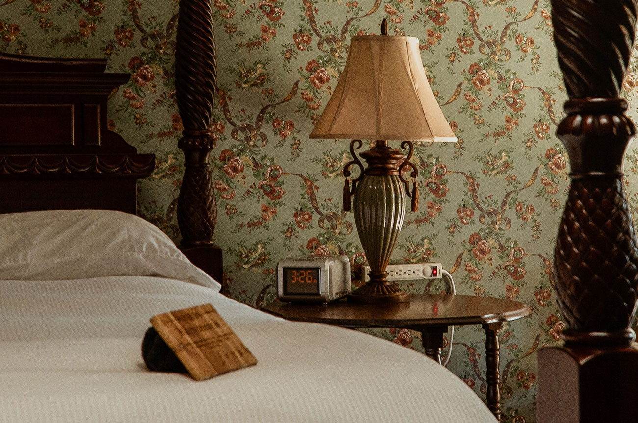 Bed and Lamp Room 19 | AlbergoAllegriaHotelandbreakfastrestaurant | Windham NY