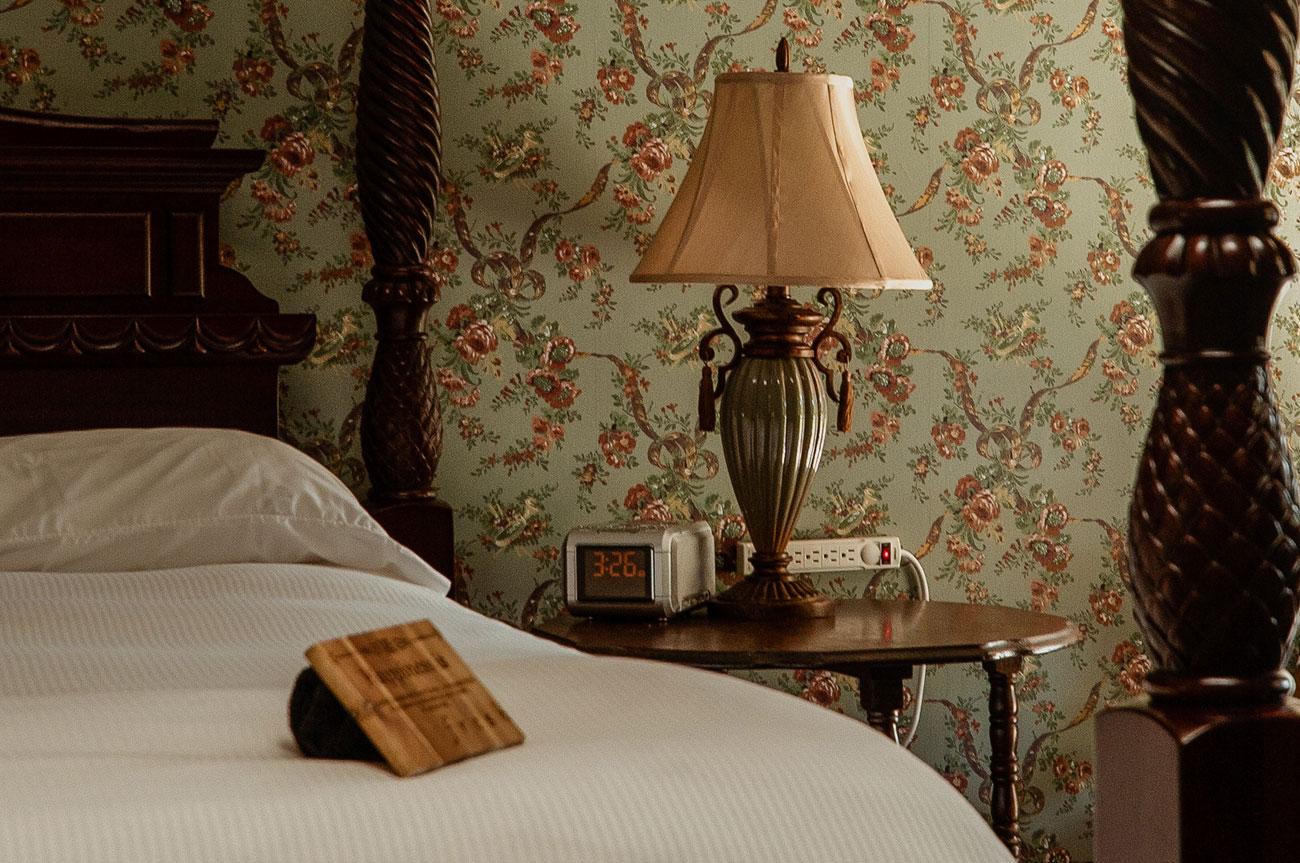 Bed and Lamp Room 19 | AlbergoAllegriaHotelandbreakfastrestaurant | Windham NY