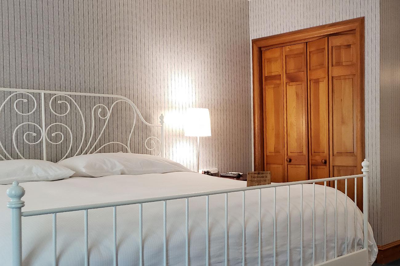 Bed Room 9 | AlbergoAllegriaHotelandbreakfastrestaurant | Windham NY