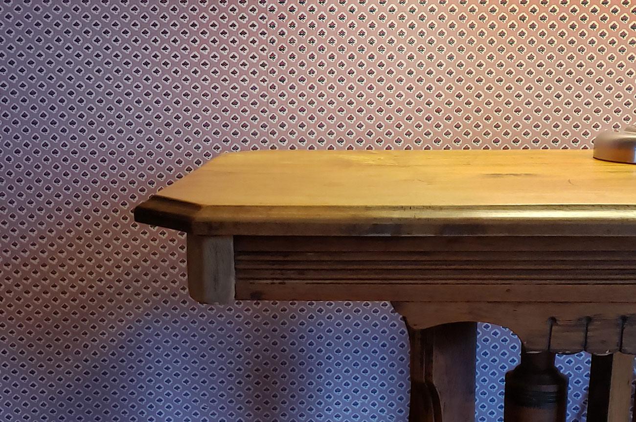 Desk Room 4 | AlbergoAllegriaHotelandbreakfastrestaurant | Windham NY