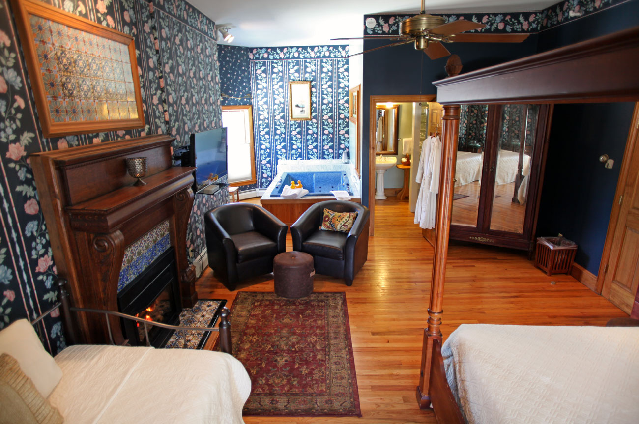 Full View Room 3 | AlbergoAllegriaHotelandbreakfastrestaurant | Windham NY
