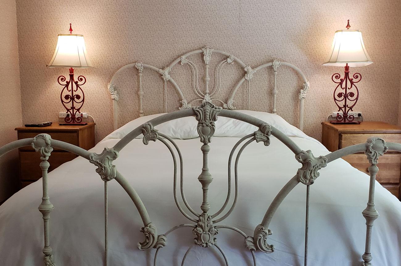 Main Bed Room 11 | AlbergoAllegriaHotelandbreakfastrestaurant | Windham NY