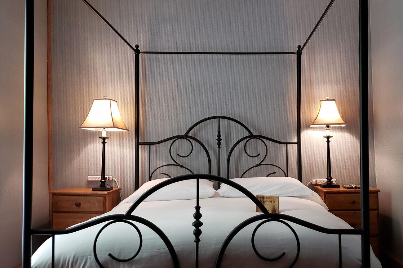 Main Bed Room 12 | AlbergoAllegriaHotelandbreakfastrestaurant | Windham NY