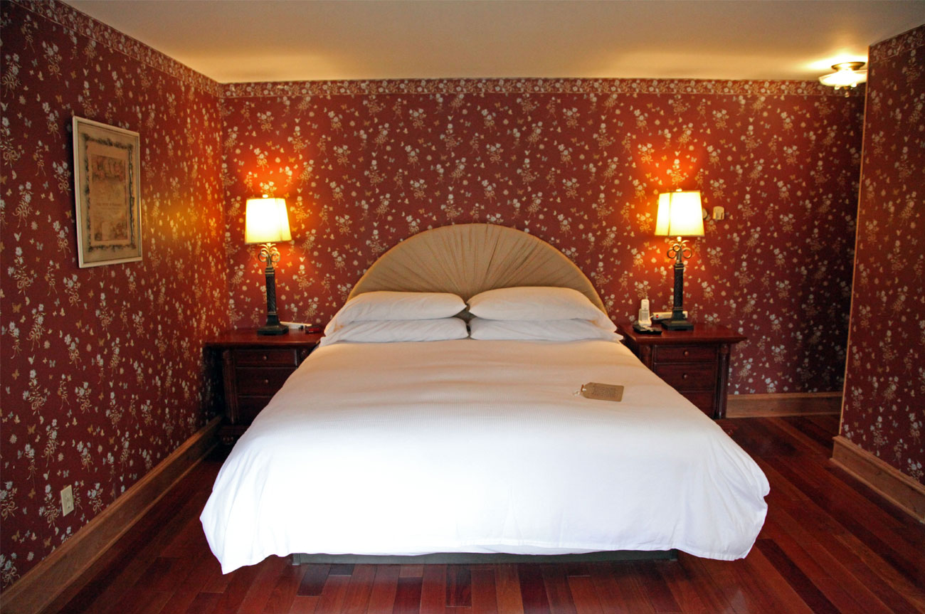 Main Bed Room 14 | AlbergoAllegriaHotelandbreakfastrestaurant | Windham NY