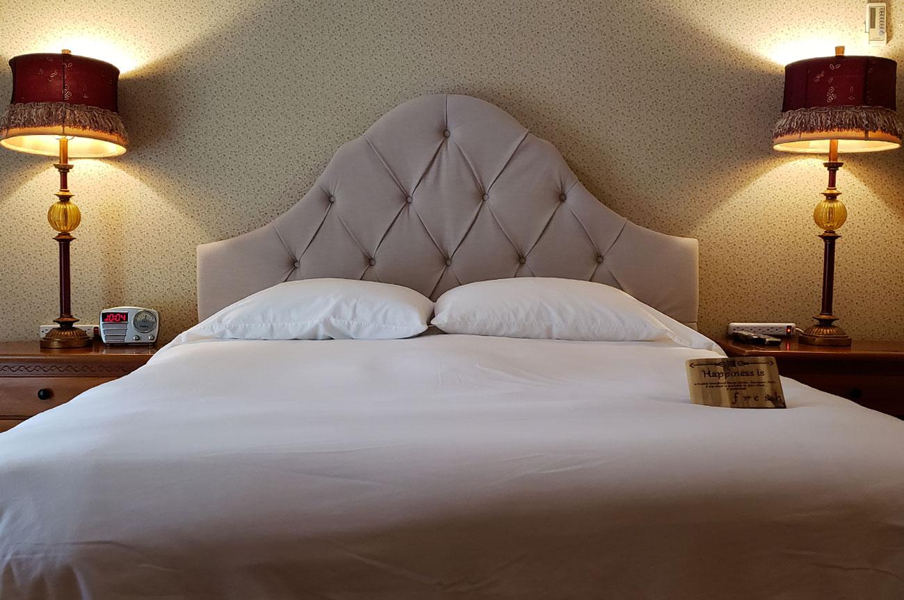 Main Bed Room 6 | AlbergoAllegriaHotelandbreakfastrestaurant | Windham NY