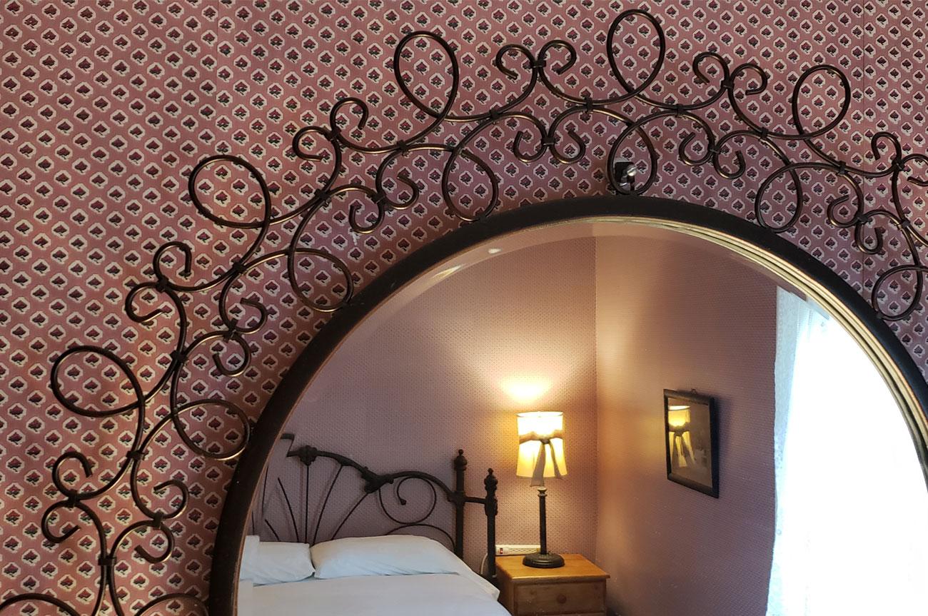 Mirror Reflecting Bed Room 4 | AlbergoAllegriaHotelandbreakfastrestaurant | Windham NY