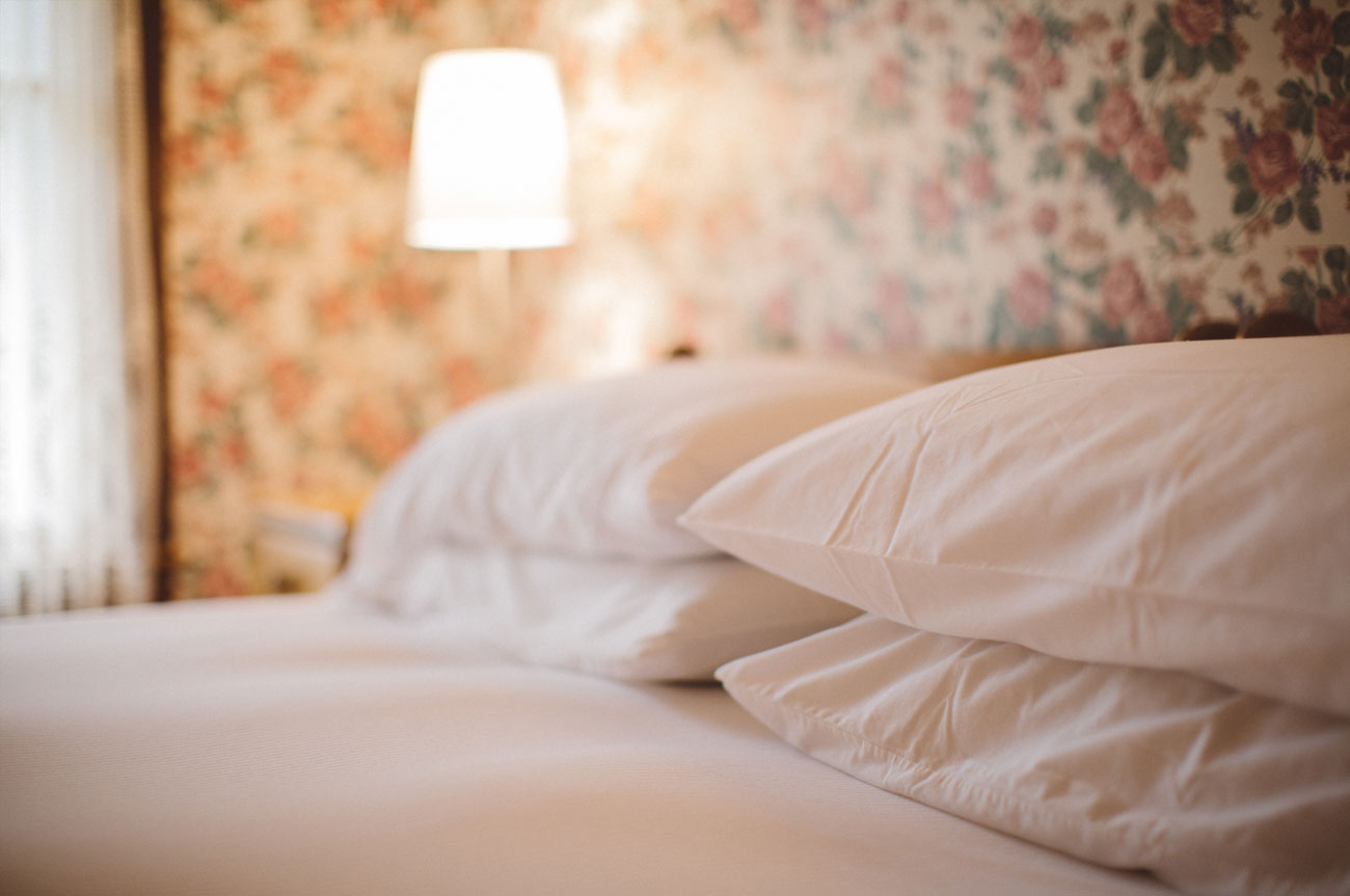 Pillows Room 2 | AlbergoAllegriaHotelandbreakfastrestaurant | Windham NY