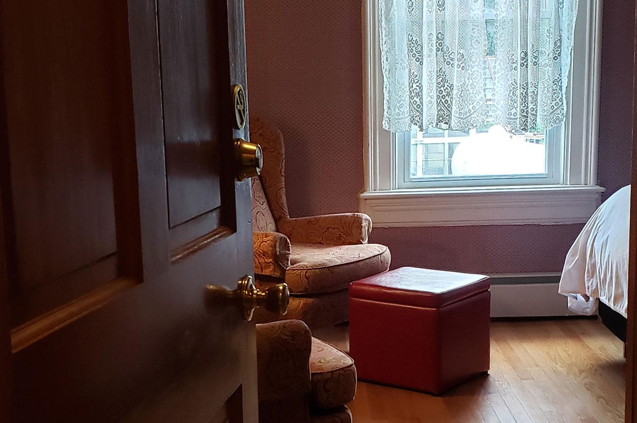 Room Entrance Room 4 | AlbergoAllegriaHotelandbreakfastrestaurant | Windham NY