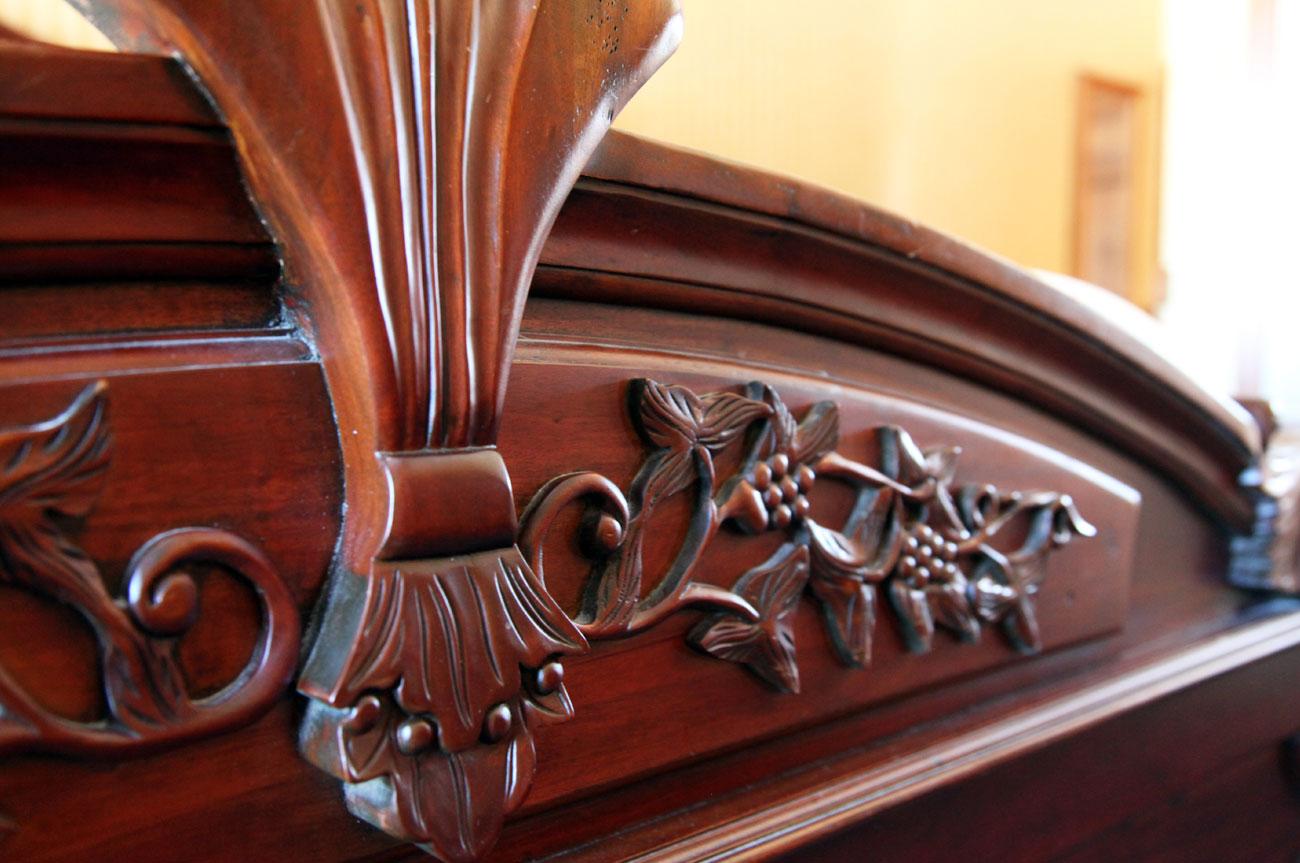 Main Bed Detail Room 18 | AlbergoAllegriaHotelandbreakfastrestaurant | Windham NY
