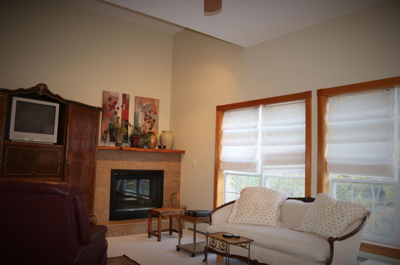 Batavia Living Room | AlbergoAllegria Bed & Breakfast | Catskills, NY