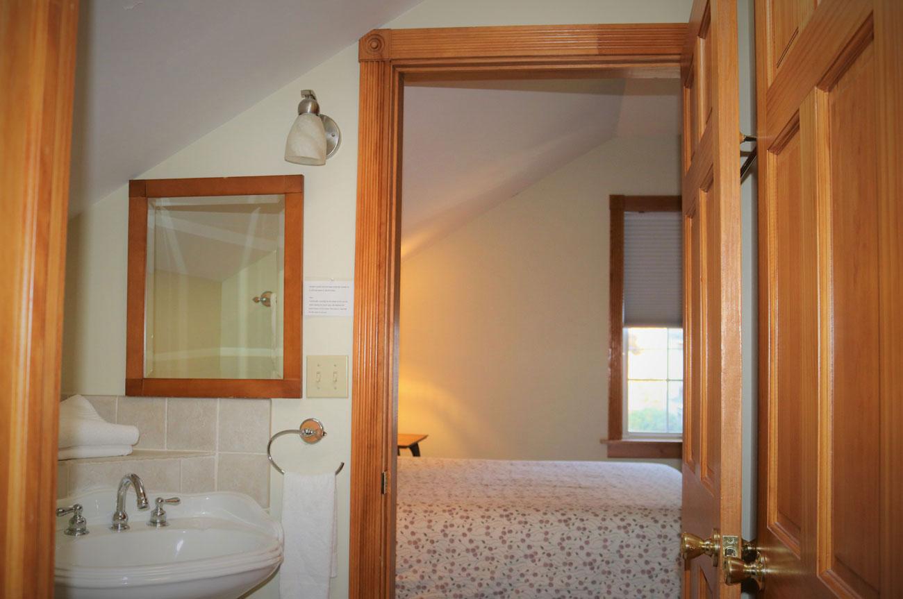 Beaver Bathroom | AlbergoAllegria Bed & Breakfast | Catskills, NY