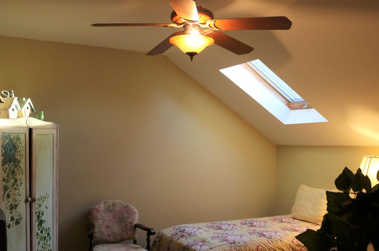 Beaver Extra Bed | AlbergoAllegria Bed & Breakfast | Catskills, NY