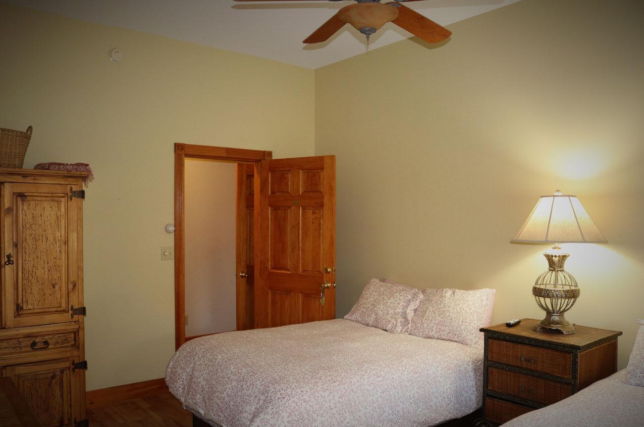 Esopus Beds | AlbergoAllegria Bed & Breakfast | Catskills, NY