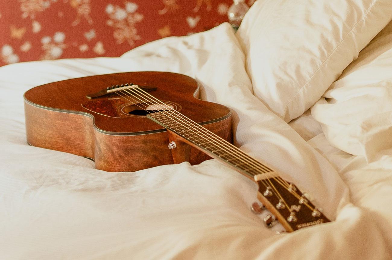 Guitar Room | AlbergoAllegria breakfast restaurant | Catskills, New York