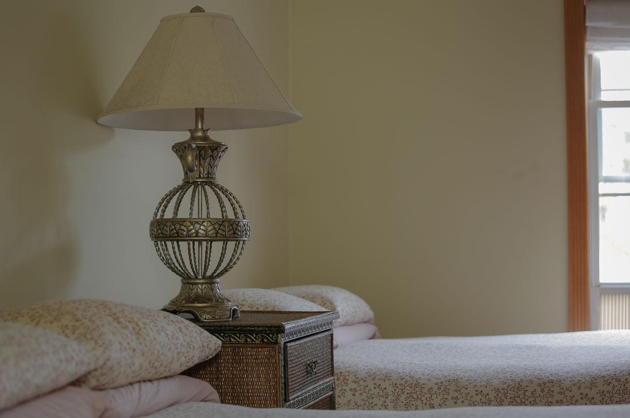 Lamp Esopus Room | AlbergoAllegria Bed & Breakfast | Catskills, NY