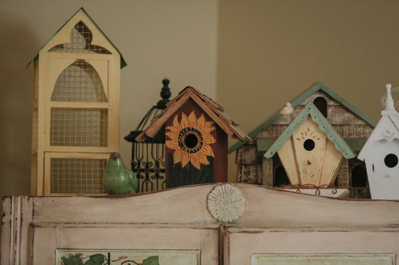 Mini Bird Houses Beaver Room | AlbergoAllegria Bed & Breakfast | Catskills, NY