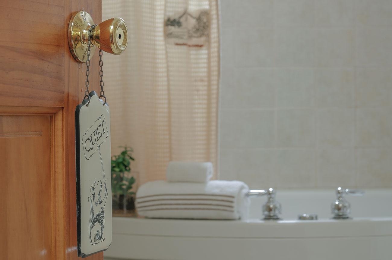 Quiet Door Open Catskill Room | AlbergoAllegria Bed & Breakfast | Catskills, NY