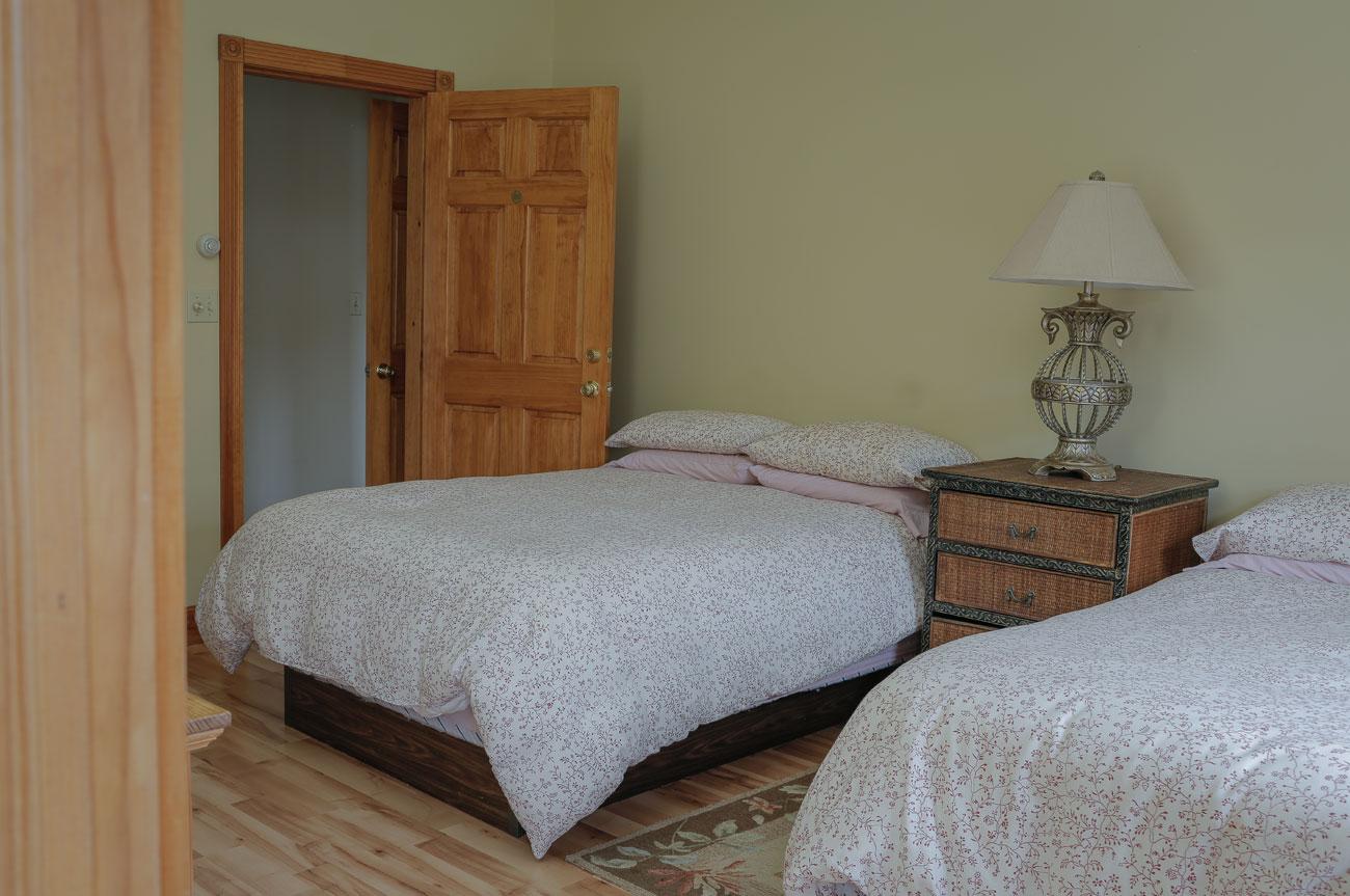 Twin Beds Esopus Room | AlbergoAllegria Bed & Breakfast | Catskills, NY