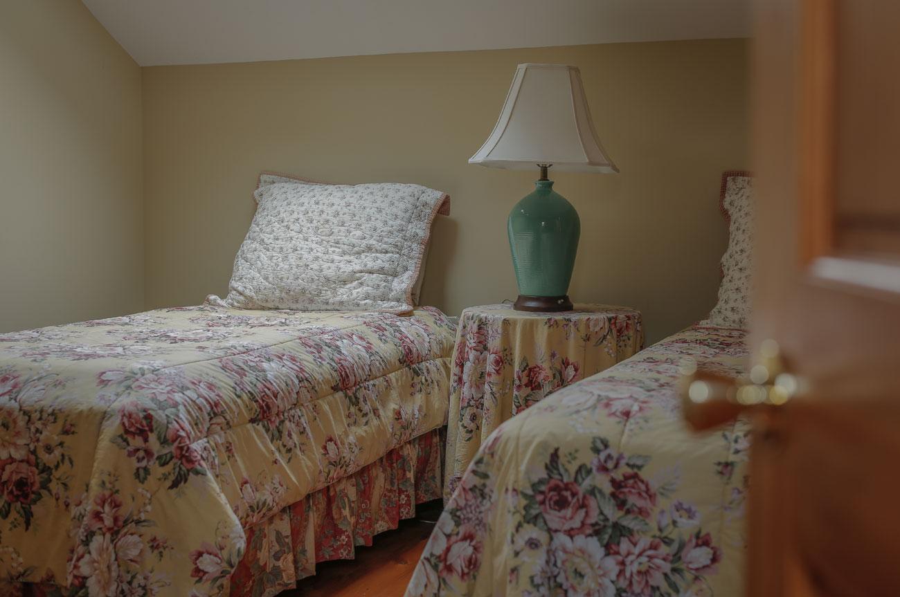Twin Beds Beaver Room | AlbergoAllegria Bed & Breakfast | Catskills, NY